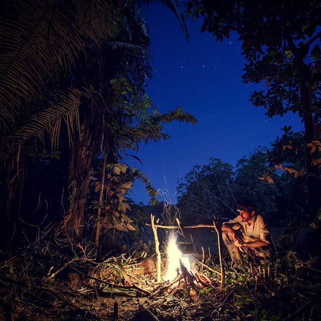 S-kanu-po-Amazonka.jpg