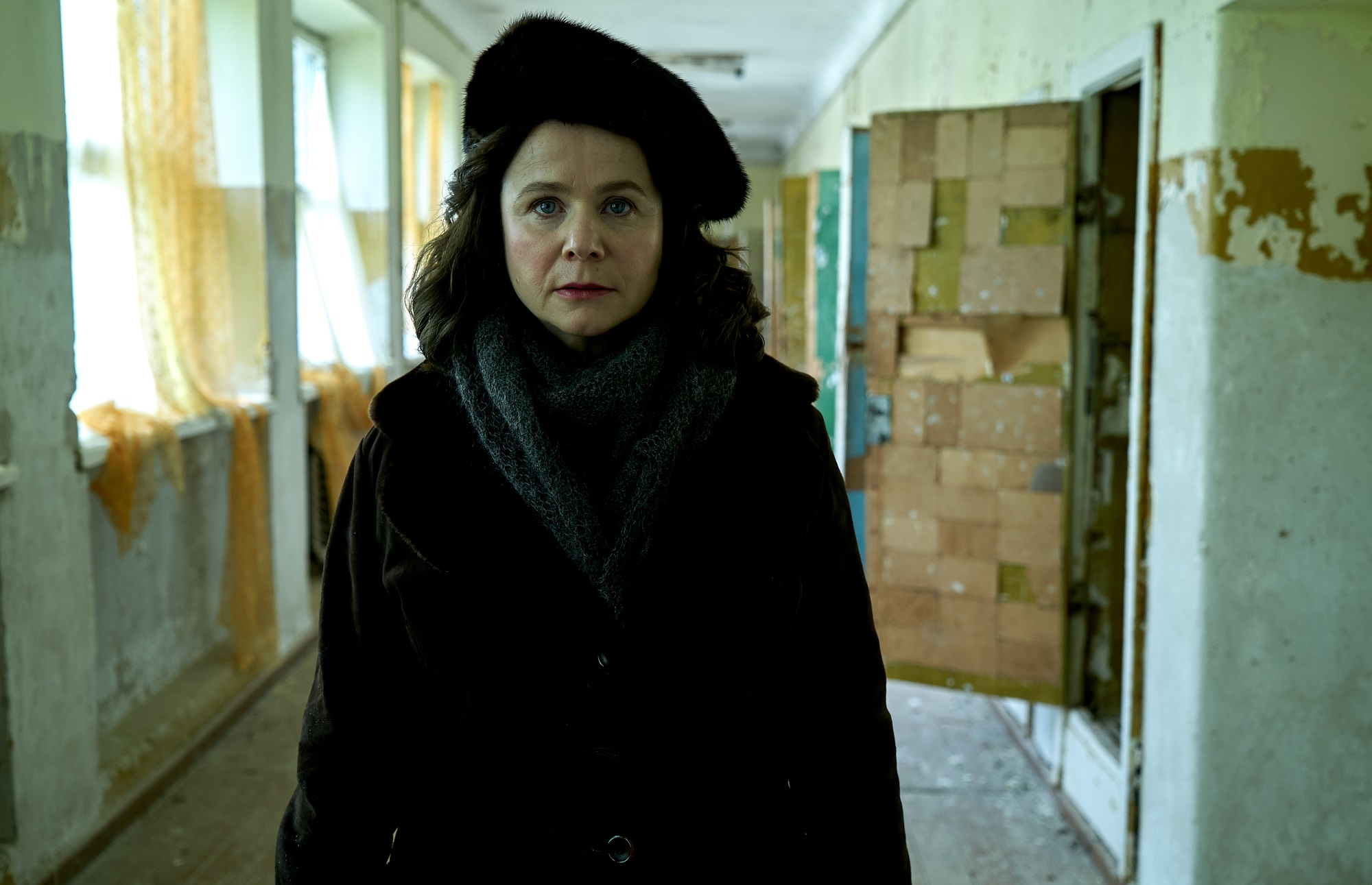 CHERNOBYL-Emily-Watson-as-Ulana-Khomyuk-photo-credit-Liam-Daniel-HBO.jpg