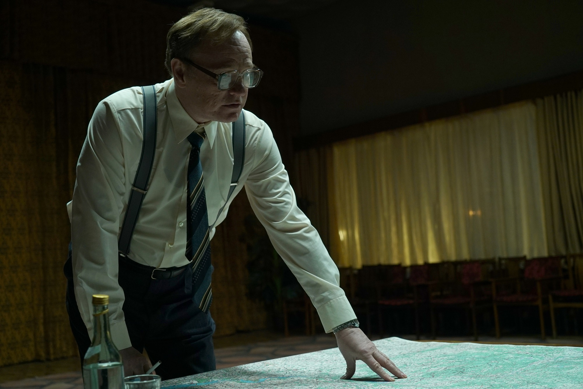 CHERNOBYL-Jared-Harris-as-Valery-Legasov-photo-credit-Liam-Daniel-HBO.jpg
